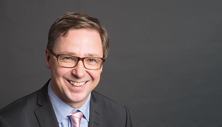 Mikael Sjövall är journalist och ordförande för Finlands Svenska Publicistförbund.