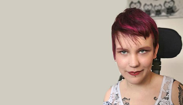 Pinja Eskola, aktivist och medianom- och sexologstuderande som driver bloggen Kynäniekan salaiset mietteet.