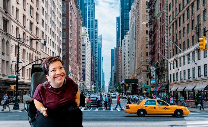 Anna Caldén med New York i bakgrunden.