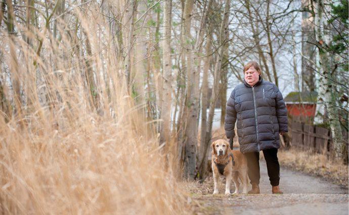 Ulla Jensen och ledarhunden Nisse